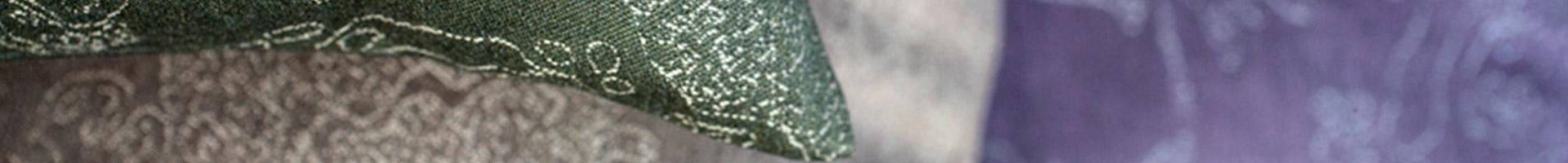 Melograno 100% wool decorative cushions