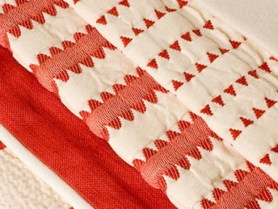 100% red and white matelassé cotton Elba Freccia