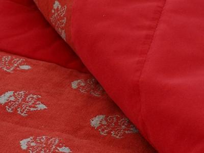Quilted bed runner in Pienza carciofino border in plain velvet