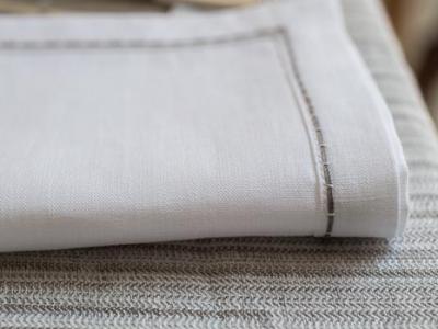 Carillon stitching 100% white linen napkin