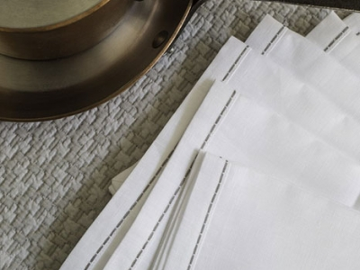 Matelassé cotton tablemat