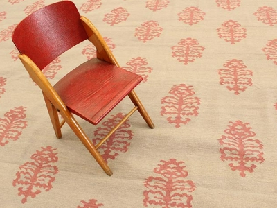 Special carpet with red cardo pattern