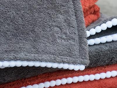 Bath set model GINEPRO 100% terrycloth with pom pom piping